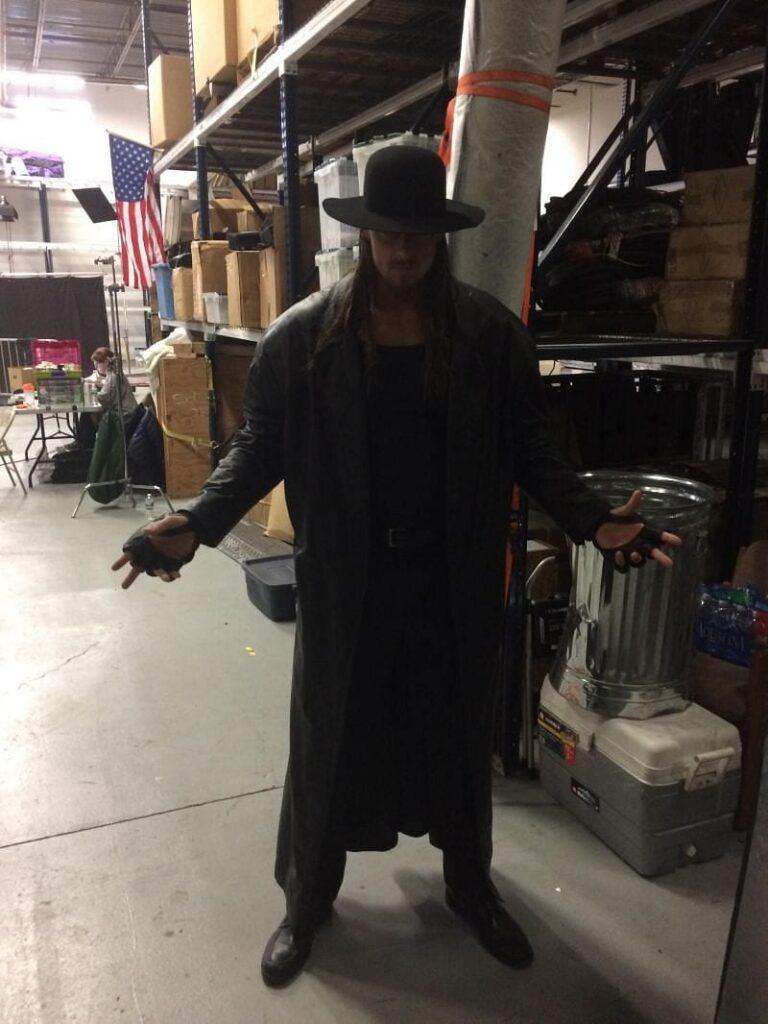 Big Cass fece da controfigura a The Undertaker