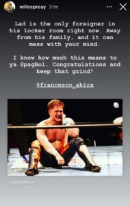 Will Ospreay si complimenta con Francesco Akira